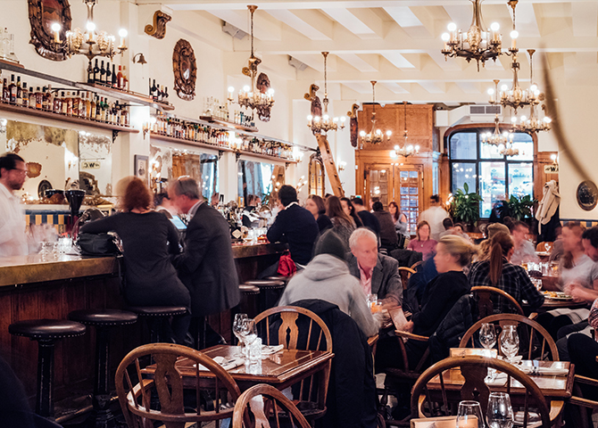 La Taverne Dominion Square, Montreal