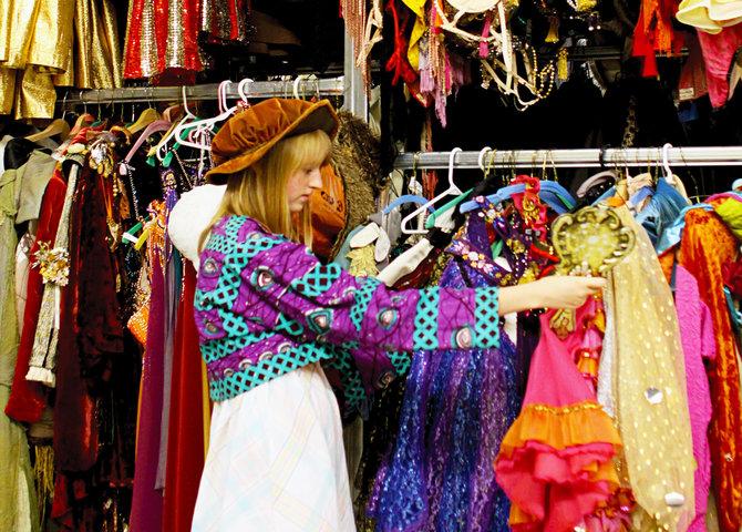 L'entrepôt de costumes au Stratford Shakespeare Theatre (© Image Ontario)