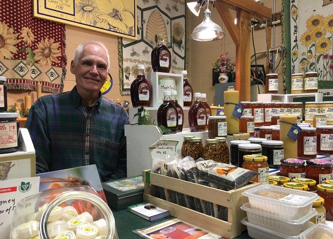 Doug Eiche, vendeur de miel au marché de Kitchener