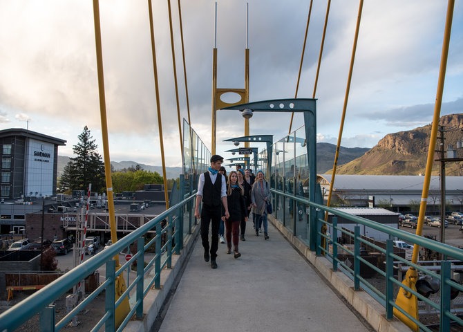 Pedestrian bridge over the Cheng Interchange (©Tourism Kamloops)