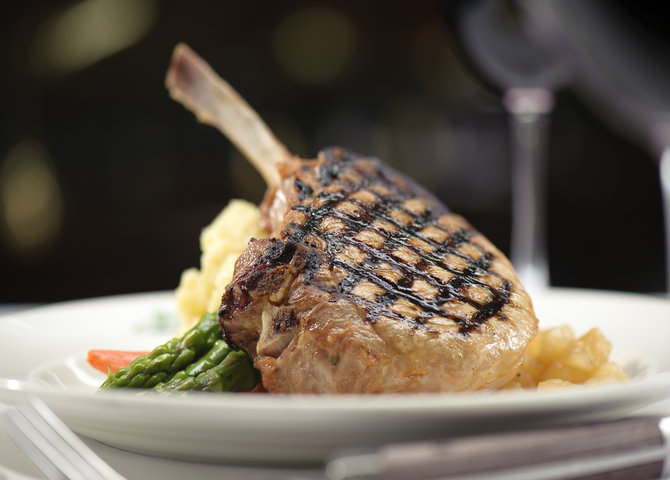 Joe Fortes' mouthwatering pork chop and buttermilk mashed potatoes (© Joe Fortes Seafood and Chop House)