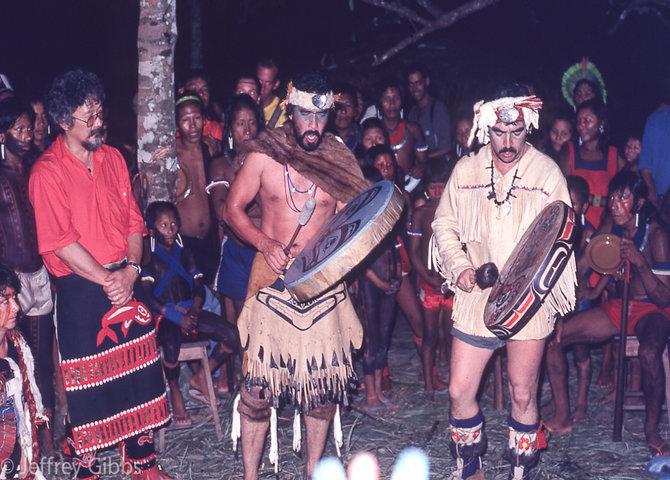 David Suzuki dans l'Amazonie brésilienne, 1989 (© Jeffrey Gibbs)