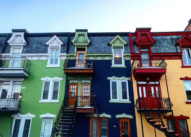 Colourful homes in the Plateau Mont-Royal (© Melissa Romera)