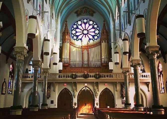The interior of Basilica of Our Lady (© Visit Guelph)