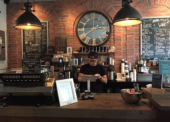 Stop in for a coffee or a local brew at Origin Trade in Ottawa (© Jennifer Bauer)