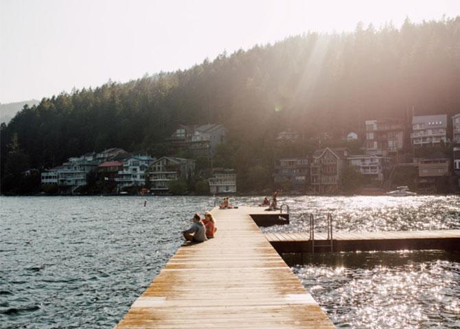 Détendez-vous au quai du lac Cultus (© Destination BC/ Local Wanderer)