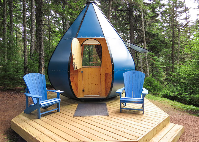 The Goutte d'Ô accommodations at Point Wolfe Campground (©Parks Canada/Jessica Seguin)