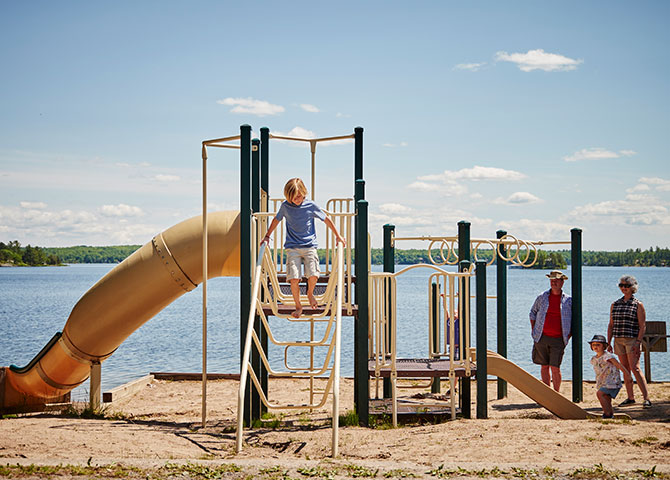 The playground at Viamede Resort (© Viamede Resort)