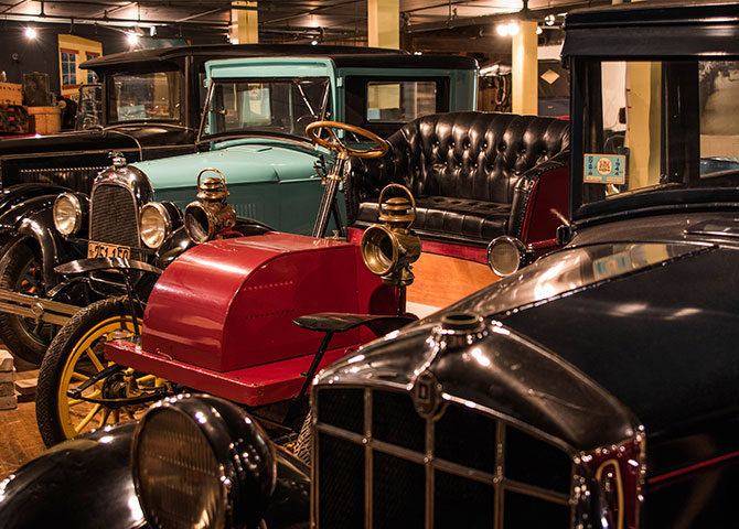 The Canadian Automotive Museum in Oshawa showcases classic Canadian cars (© Canadian Automotive Museum)