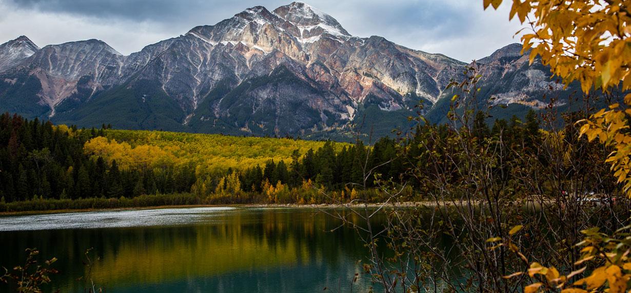 Pyramid-Lake-credit-Parks-Canada-Olivia-Robinson