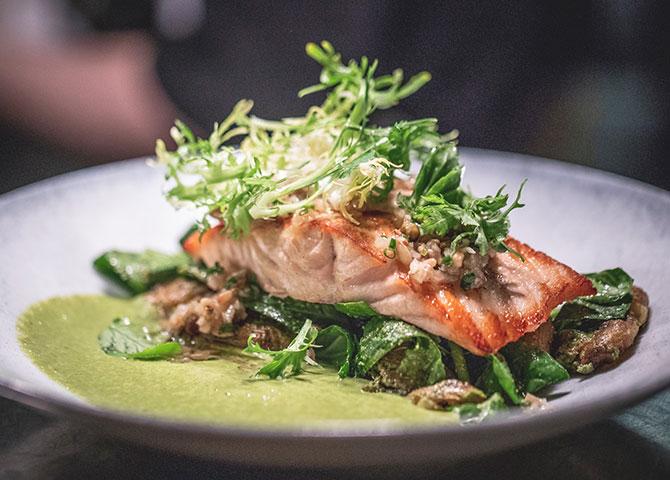 Chez Boulay fait honneur à la cuisine nordique traditionnelle et aux ingrédients boréaux canadiens (© André-Olivier Lyra)