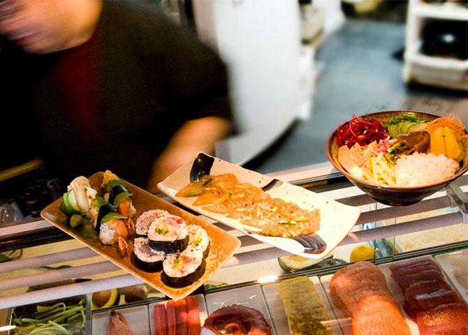 Essayez les sushis et autres plats japonais au Hosaka-Ya (© Mathilde Matkovic)