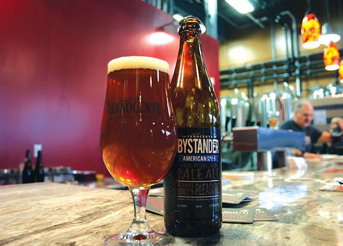 Essayez une bière artisanale chez Innoncente Brewing Company (© Explore Waterloo Region)