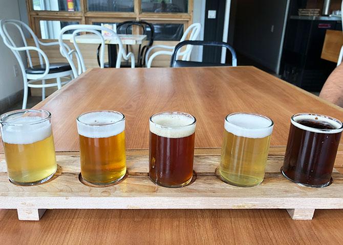 La microbrasserie Saint-Honoré sert des bières artisanales classiques