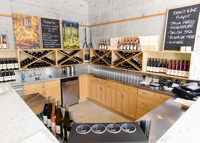 Faites une dégustation au vignoble Sea Star Vineyards, sur l'île Pender