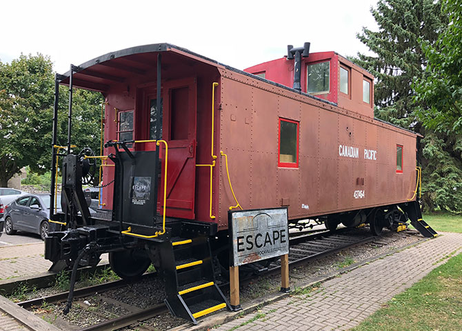 Escape the freight and try and make your way out of this CP car-turned-escape room