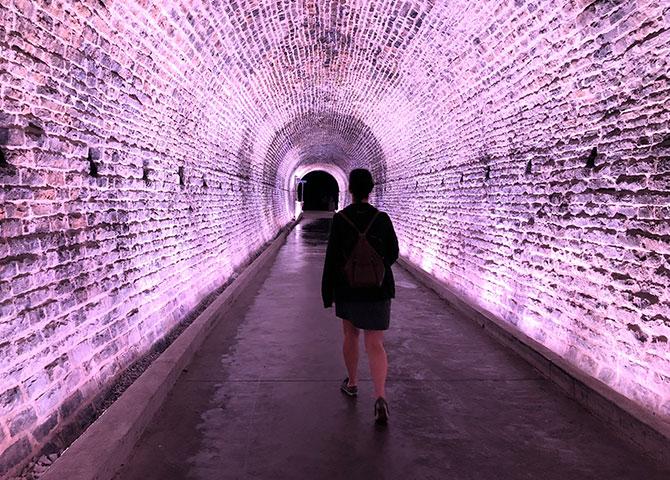 Le premier tunnel ferroviaire du Canada a été transformé en une expérience audiovisuelle