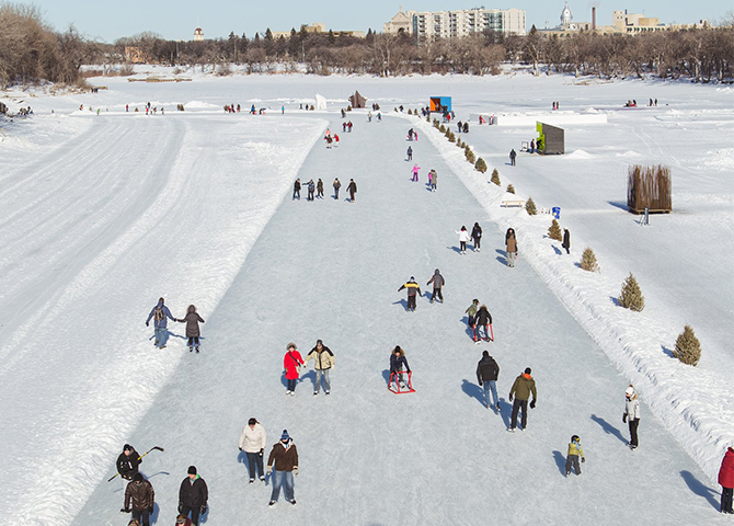 Get skating on the Red River Trail! (image: Mike Peters for Tourism Winnipeg)
