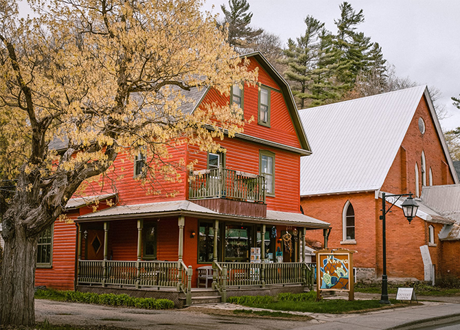 """Day Tripping to Wakefield, Quebec: Iconic Canadian """"Must-Sees"""